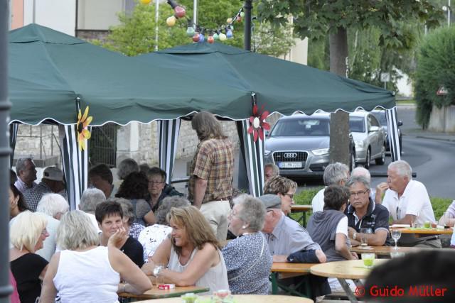 Gemütliches Beisammensein beim Sommerfest 2015